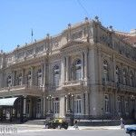 Acceso Teatro Colon