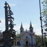 Iglesia y Plaza de Yapeyu