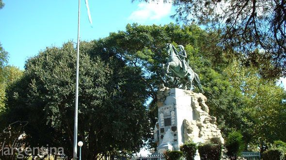 City Tour Plazas de Gualeguaychu