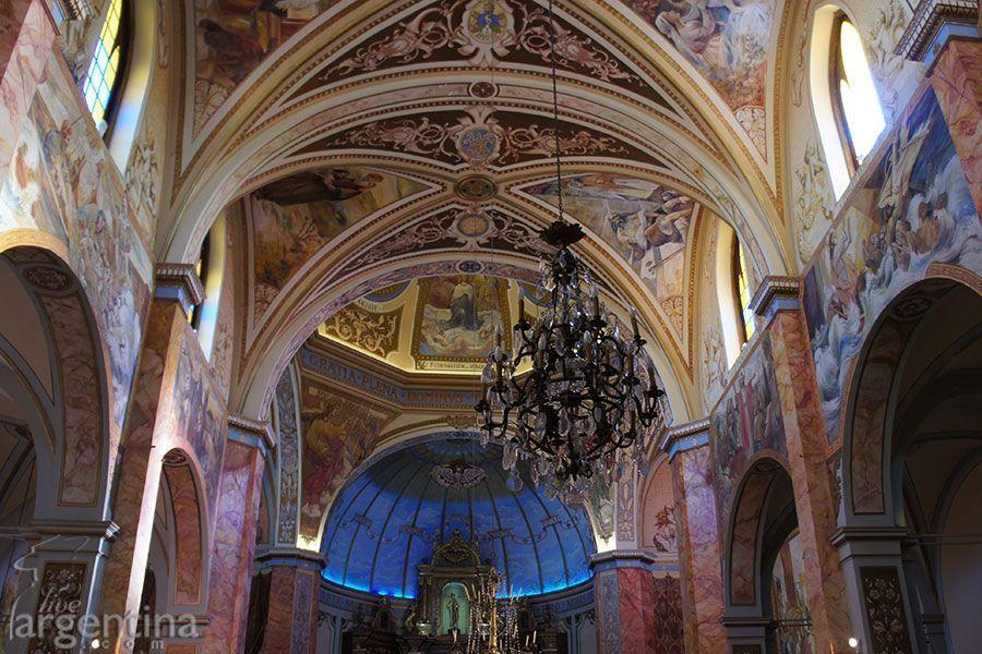 Interior Iglesia Nuestra Señora de Aranzazu