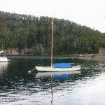 Playa y velero